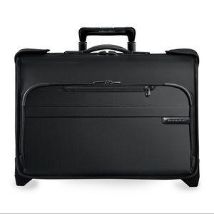 Briggs & Riley Baseline Wheeled Wardrobe Suitcase